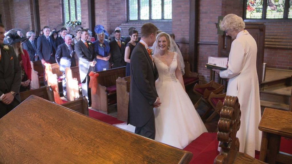 Emma and Alistairs Wedding Highlights12