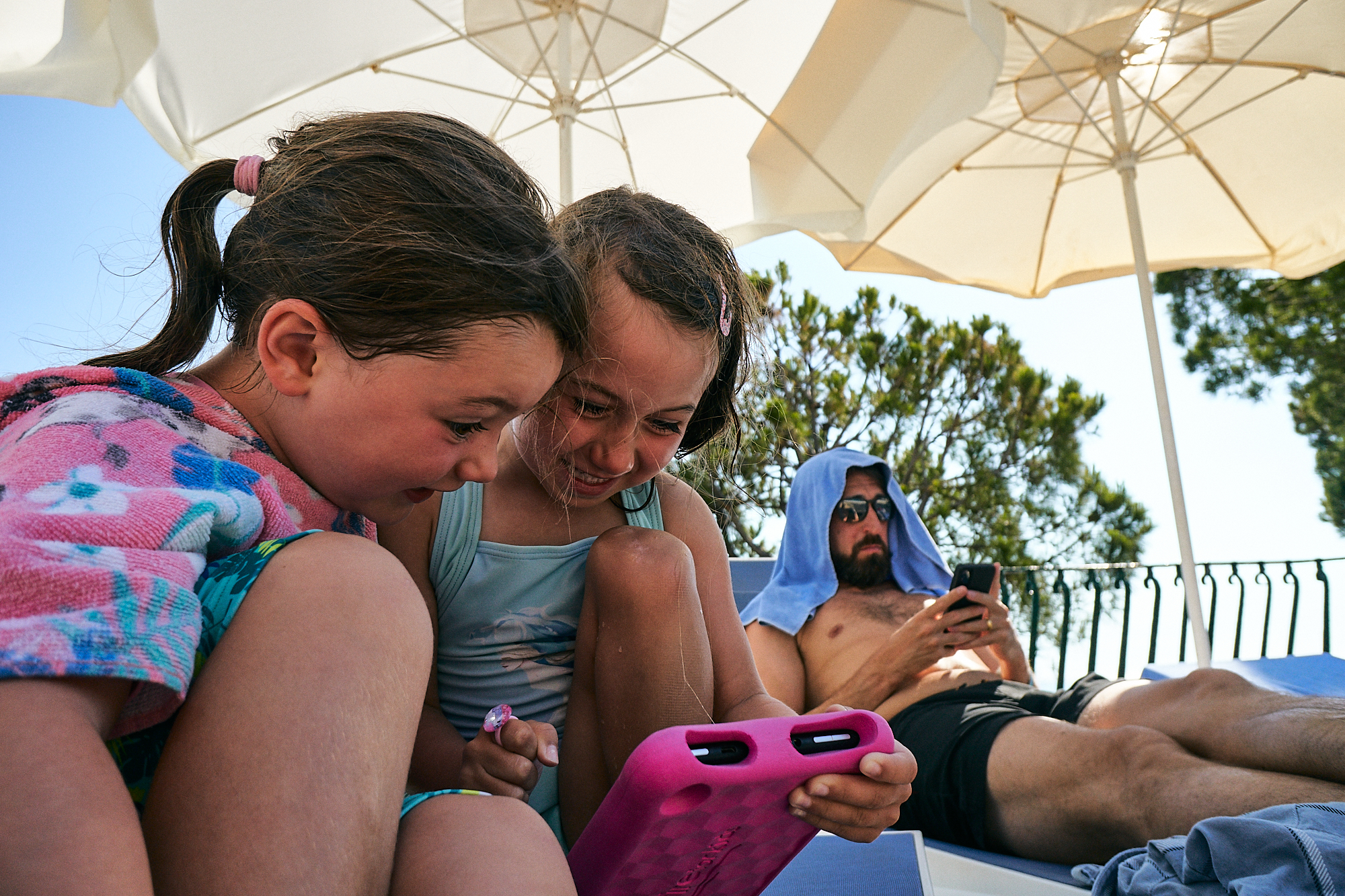 2 girls playing games on holiday
