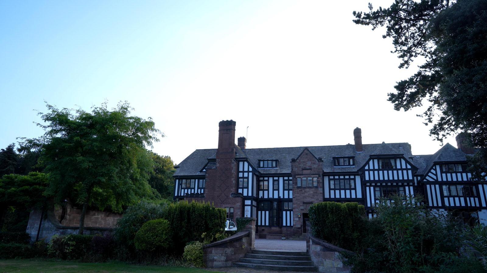 wide video of outside Inglewood Manor wedding venue